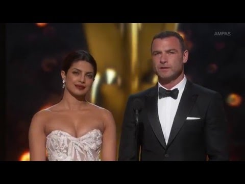 Priyanka Chopra at Oscar Award    Oscar Awards 2016