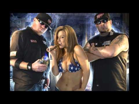 On the Run  Moonshine Bandits