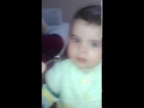 bebeklerin komik halleri