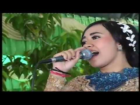 Ilang Tresnane Cover by Nety You And Me Campursari