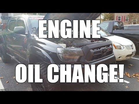 How To Change the Engine Oil on a 2nd Gen Toyota Tacoma (Plus a Bonus Mod) AVOID THE STEALERSHIP!