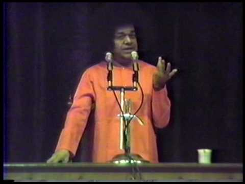 """""""Have unity and NEVER forget God"""" - excerpt from 1988 Guru Poornima discourse by Sri Sathya Sai Baba"""