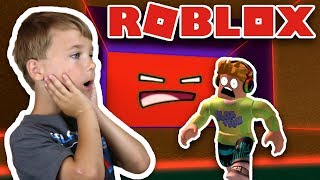 DON'T BE CRUSHED BY THE SPEEDING WALL IN ROBLOX