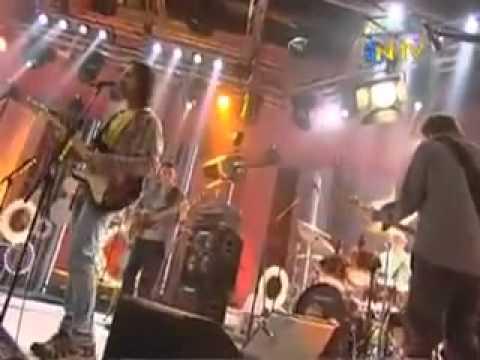 Duman - Sor Bana Pişmanmıyım (NTV 31.12.2010)