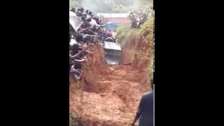 Mahindra 4 wheel drive jeep extreme offroading video |Mahindra jeep offroad drive