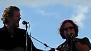 Falling Slowly (STABILIZED) Eddie Vedder Glen Hansard  PJ20 Alpine Valley, WI 9/4/11 Pearl Jam