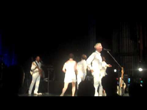 David Byrne - I Feel My Stuff