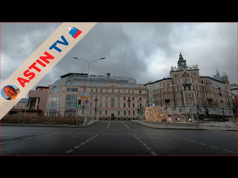 На машине по Москве.  Обзорная поездка по городу.