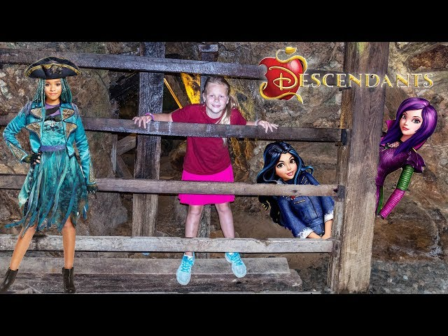 DESCENDANTS 2 Disney Evie and Mal Trapped in a Mine and Saved by the Assistant