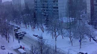 Как  убирают снег в Москве  на ул. Анохина, 5.02.2018
