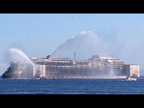 Costa Concordia son yolculuğuna çıktı