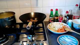 Chow mein recept - Chinese Bami - Roerbak noedels