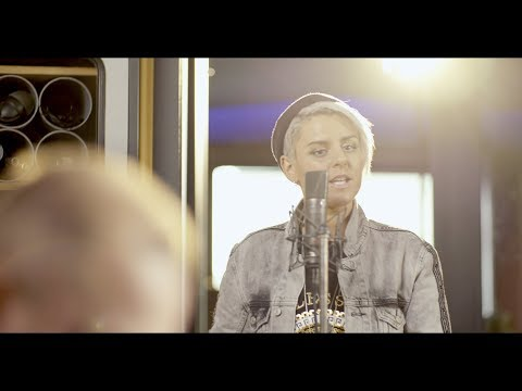 Richard Durand & Christina Novelli - The Air I Breathe (Official Music Video)