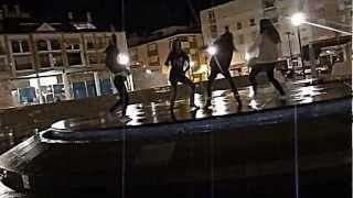 Video Haciendo harlem shake en la plaza con nosotras download MP3, 3GP, MP4, WEBM, AVI, FLV September 2017