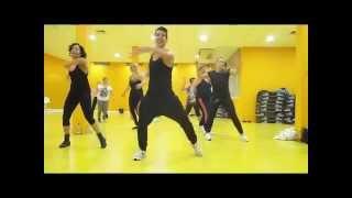 CARLOS VIVES FEAT MALUMA   ELLA ES MI FIESTA zumba fitness by Emanuel