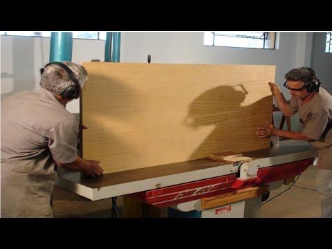 Clique e veja o vídeo Curso Fabricação de Móveis em Série