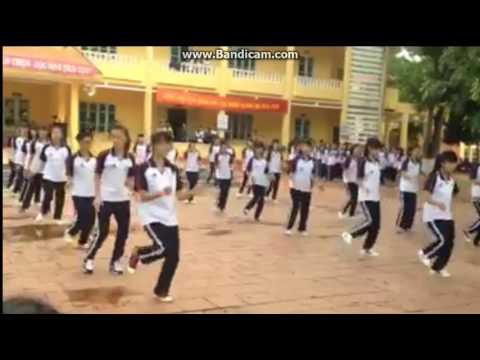 Trường THPT Lục Nam!! Tập Thể 10A10-k51   Giải nhất khối 10 Dân vũ múa nước