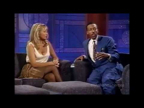 TERI GARR HAS FUN WITH ARSENIO HALL