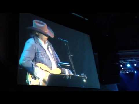 Waterfall- Dwight Yoakam- Horseshoe Tunica- 12/30/2012