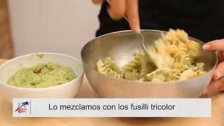 Fusilli tricolor con pesto de brócoli