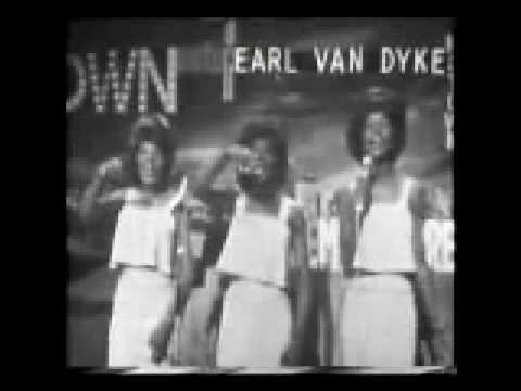 Martha Reeves and The Vandellas performing Nowhere to Run
