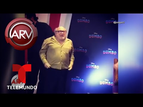 Danny DeVito cayó estrepitosamente al suelo | Al Rojo Vivo | Telemundo