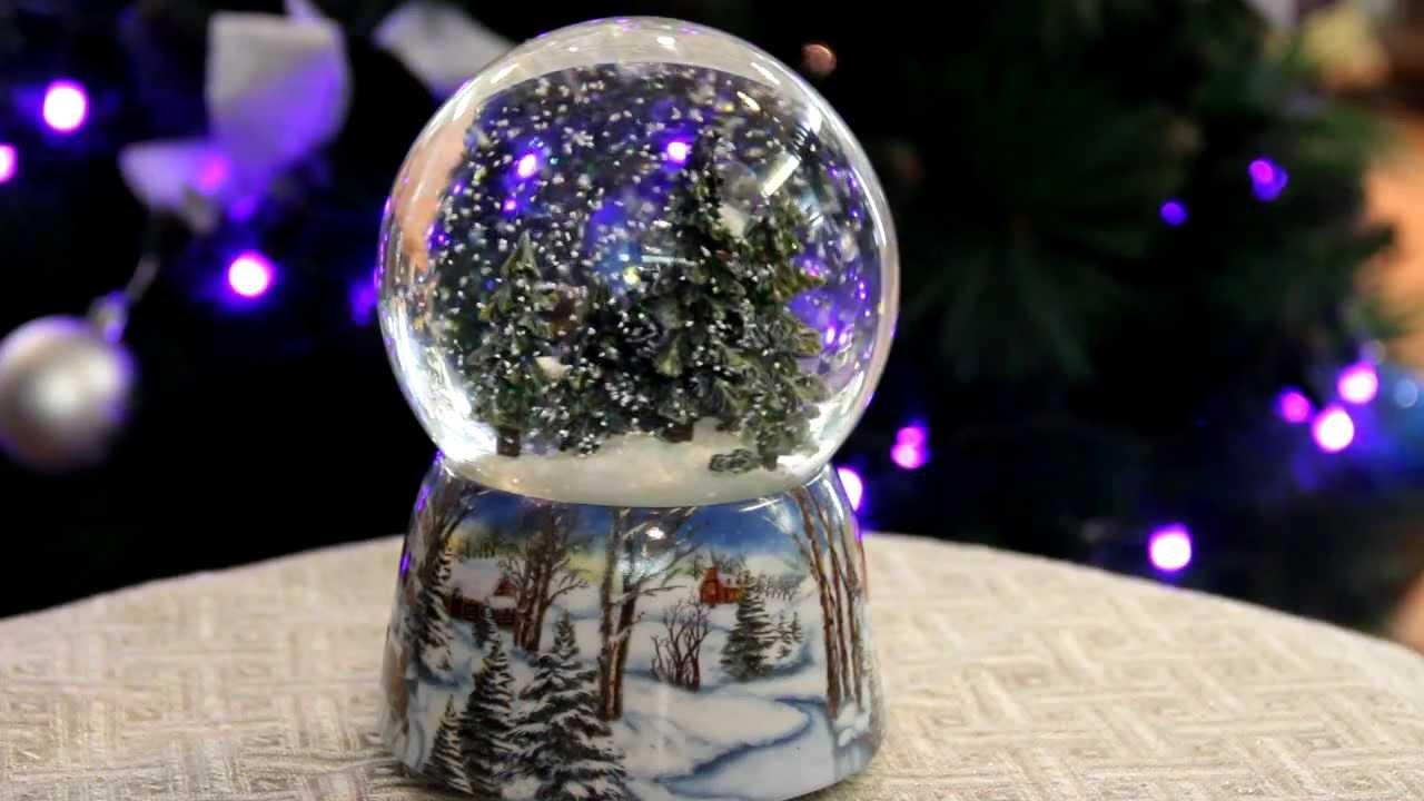 Стеклянные шары со снегом - Рождество в лесу - YouTube