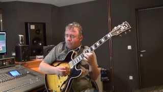 Blues in the closet - How to build a solo [GRP Guitar Lessons]