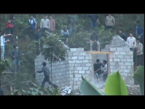 Clashes Erupt as Vietnam Police Destroy Hmong Funeral Houses