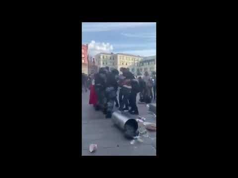 Метнул мусорный бак в сотрудника Росгвардии. Москва