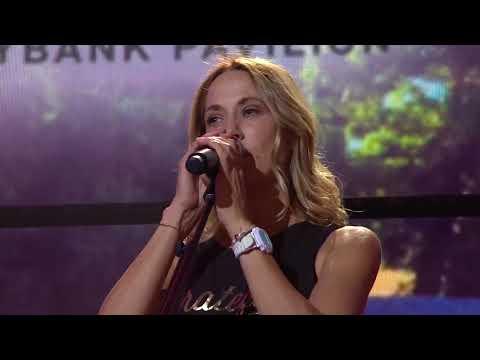 Sheryl Crow   2017 09 16 Farm Aid, Burgettstown, PA 1080p