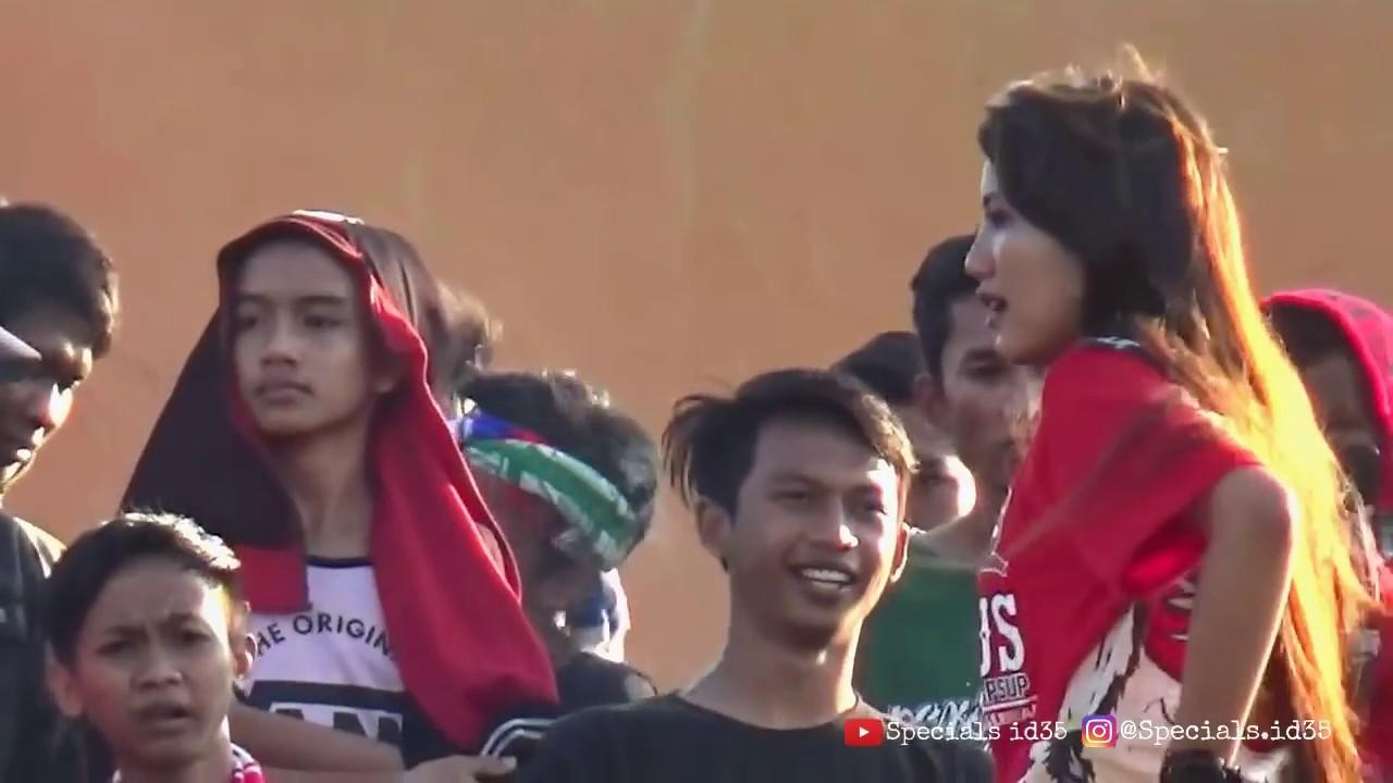 Keseruan Di Tribun K Conk Mania Madura United Vs