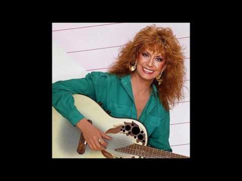 Dottie West —