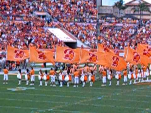 Lee Roy Selmon inducted into Bucs Ring of Honor
