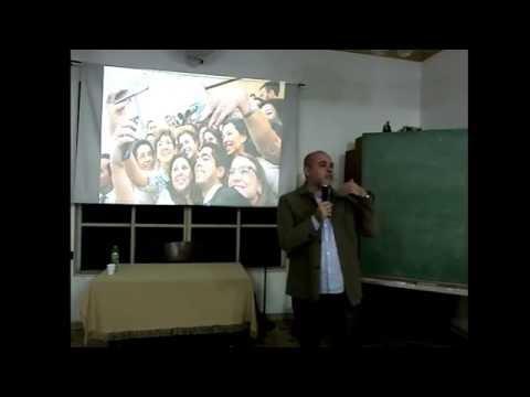 """Alexandre Borges: """"Política, ideologia e imprensa"""""""