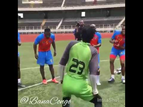 Congo football players dancing