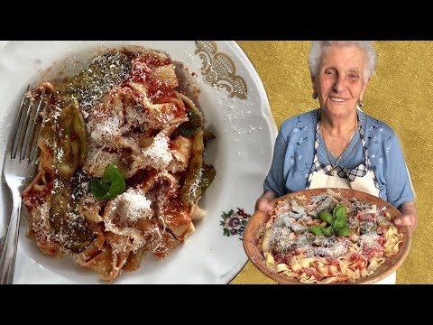 90-year-old-caterina-makes-sicilian-'lasagne'-with-eggplant-&-tomato-sauce