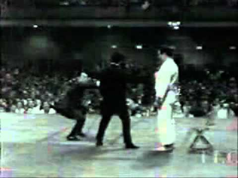 Bruce lee 1 inch punch