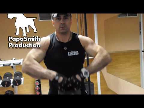 Как гирей накачать грудные мышцы