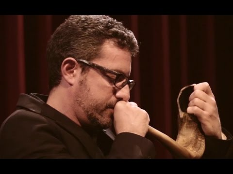 A Jewish Prayer With Oldest Biblical Wind Instrument, Shofar - Yamma Ensemble