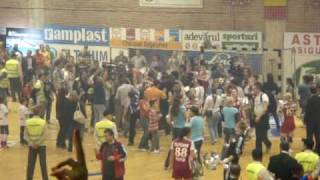 Campioana Romaniei in Finala Ligii! Oltchim Ramnicu Valcea - ETO GYOR 24-20-Cake fight1