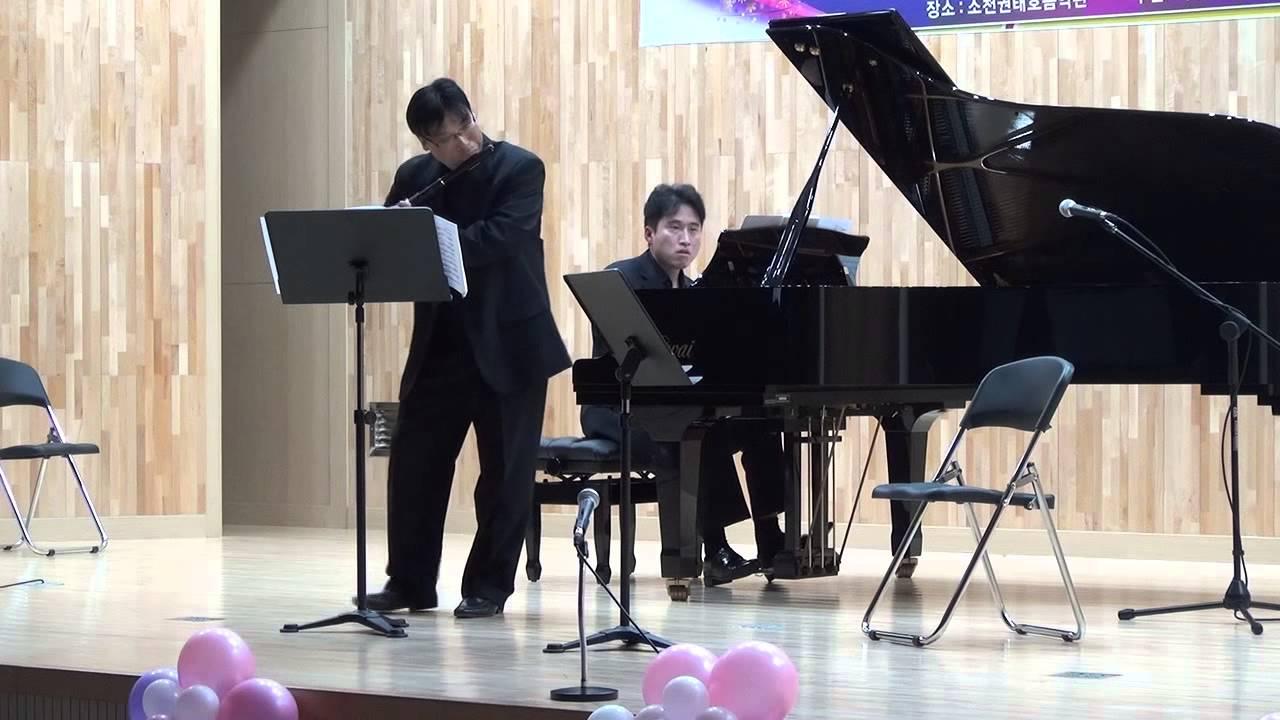 A Piazzolla - Libertango, flute & piano, Arr D Varelas