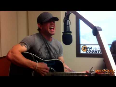 Aaron Pritchett Sings Live at 99.7 Sun Country