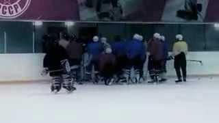Видео ролик Центра Обучения Хоккея (2009). Автор С.Арсин
