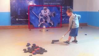 Детский Хоккей. Тренировка 3-х летнего хоккеиста Максима Голощапова.
