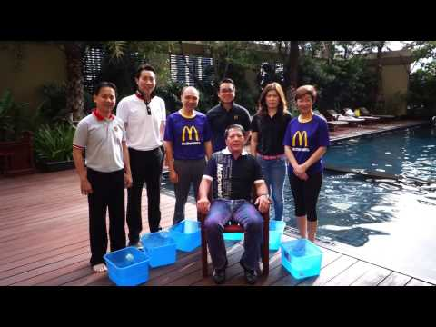 Mr.Hester Chew, Chairman & CEO of McD's Thailand accepts the #IceBucketChallengeTH