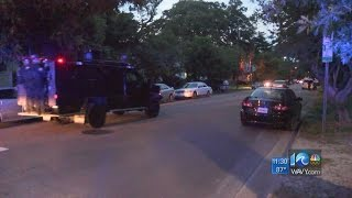 Police: Armed man barricaded inside Norfolk home near ODU
