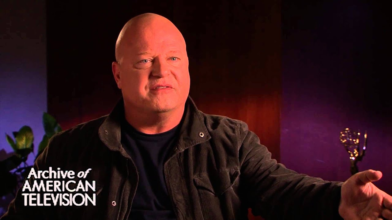Michael Chiklis discusses being in The Stranded episode of Seinfeld ...