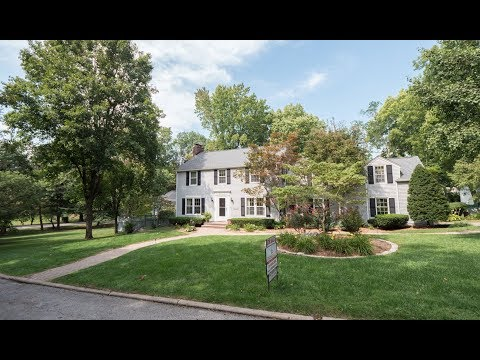 Home For Sale In Springfield, IL - 2129 Illini Rd. - Leland Grove