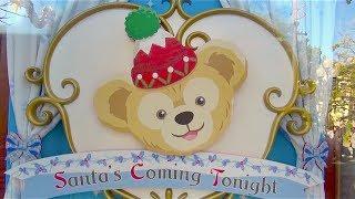 ダッフィーとシェーリーメイのグッズがクリスマスに合わせてディスプレ...